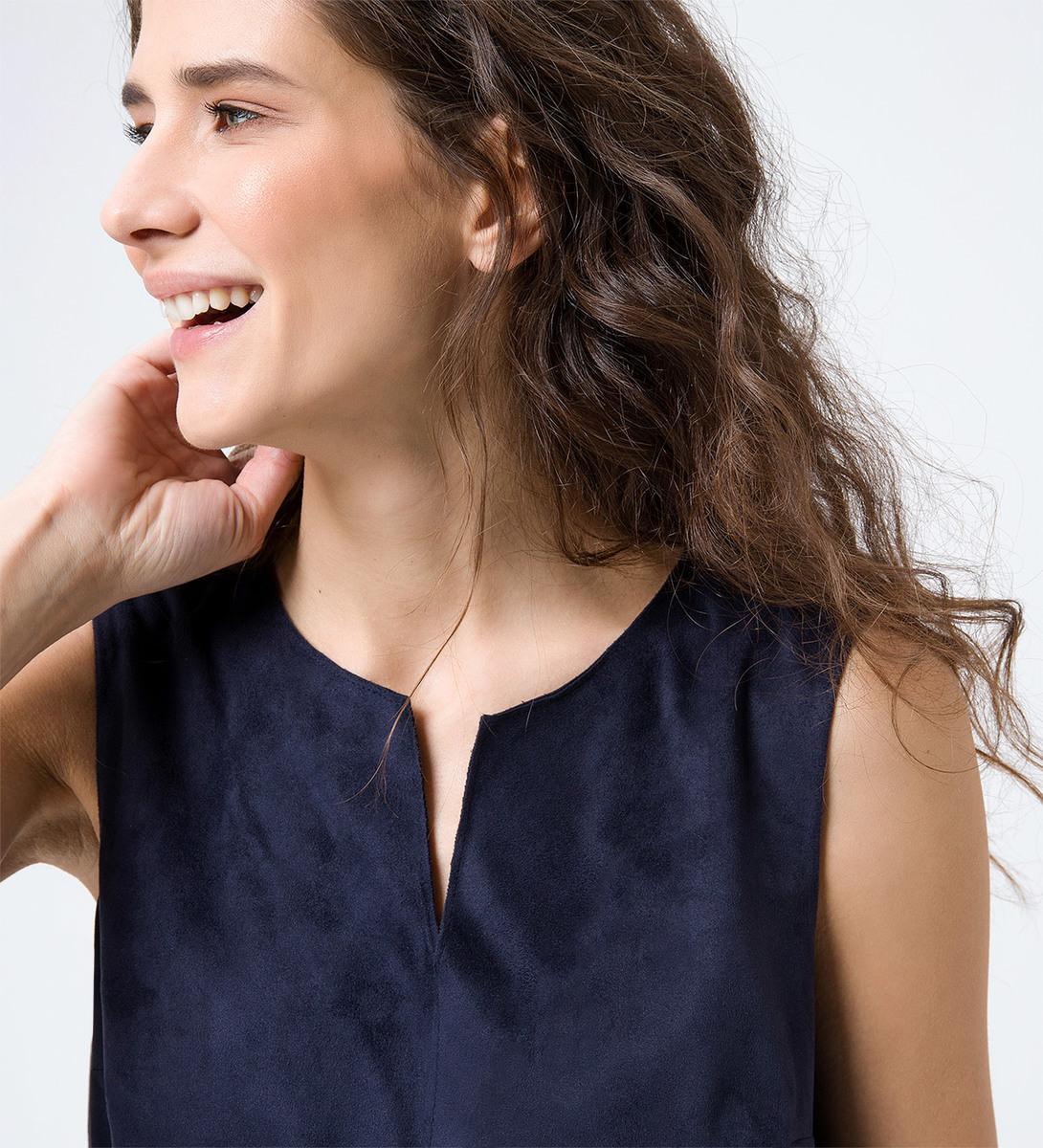 Kleid in Velourslederoptik in blue black