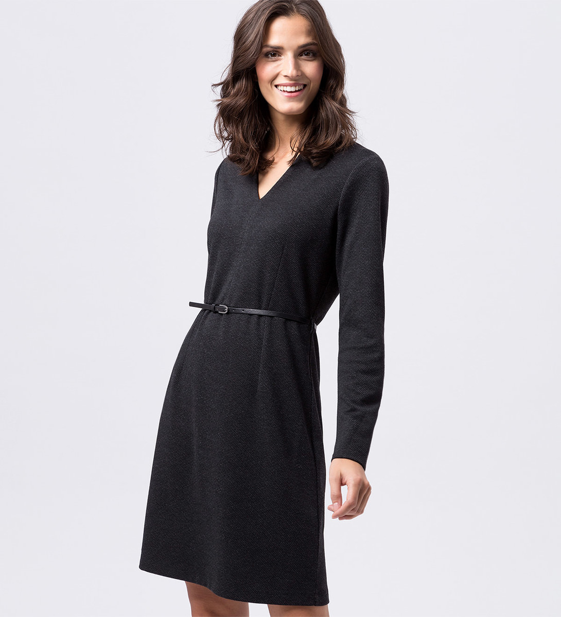 Kleid mit Gürtel in black