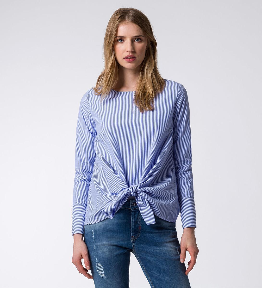 Bluse mit Knoten in arctic blue