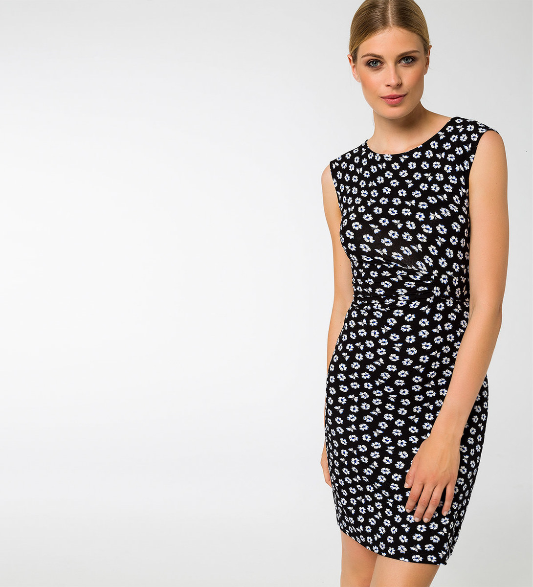 Kleid mit Bindeband in black