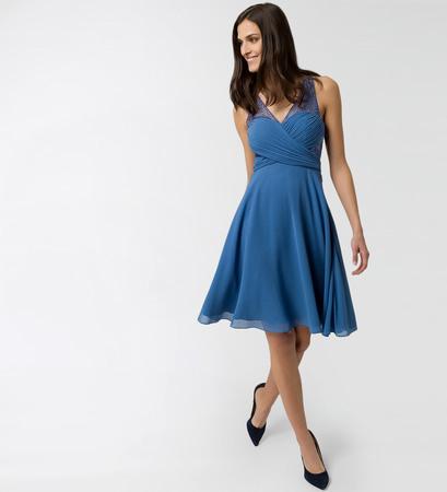 Kleid im raffinierten Design 5658