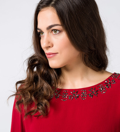 Bluse mit Applikation in red flower