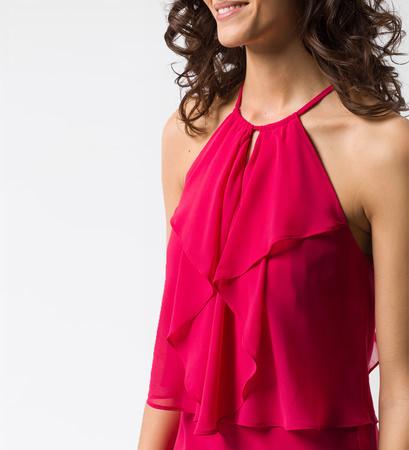 Kleid mit amerikanischem Ausschnitt in bright pink