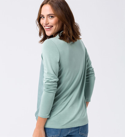 Blusenshirt mit glänzender Front in light jade
