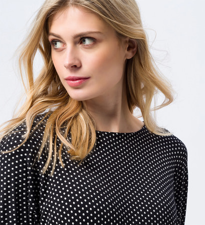 Shirt mit Punkten in black