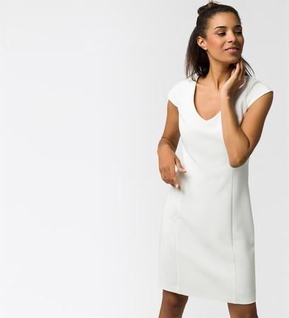 Kleid mit Flügelärmeln in offwhite
