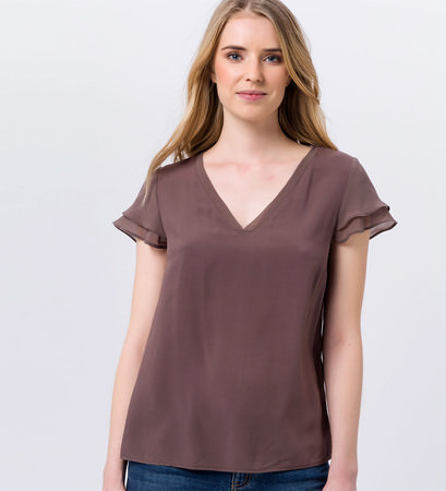 Bluse mit Volantärmeln in milk chocolate