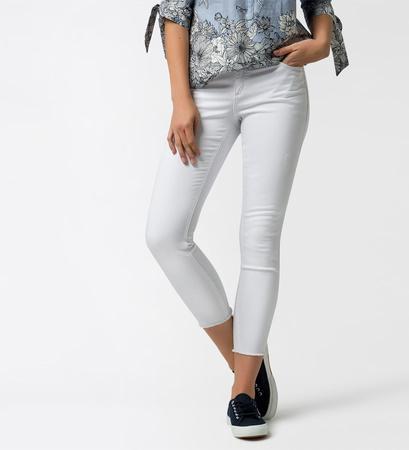 Jeans mit Fransen am Saum in white