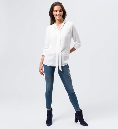 Bluse in weich fließender Qualität in offwhite