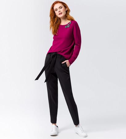 Pullover mit Glitzerbroschen in dark magenta