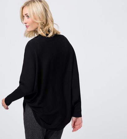 Strickjacke in Feinstrickqualität in black