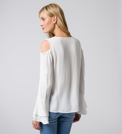 Bluse mit Cut-outs und Volants in offwhite