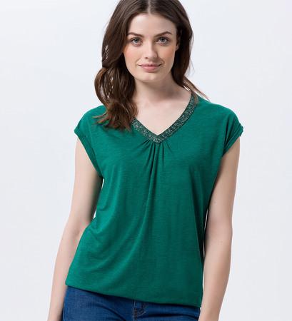 Shirt mit V-Ausschnitt in green