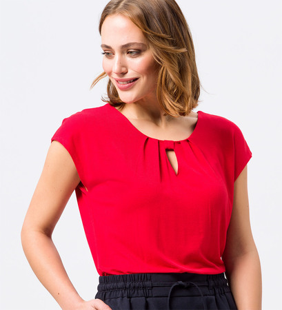 Shirt mit Keyhole-Design in red