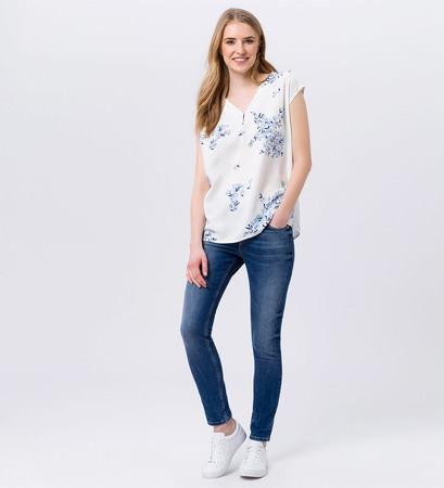 Bluse im floralen Design in offwhite