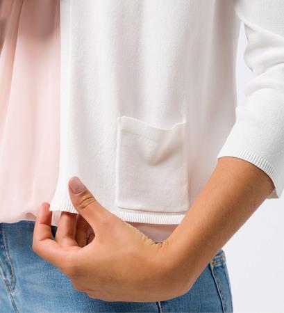Strickjacke mit Taschen in offwhite