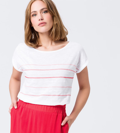 T-Shirt mit Stickereien in hot coral