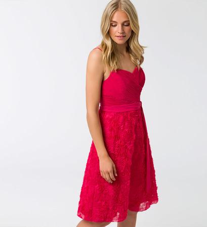 Kleid mit Plisseefalten in bright pink