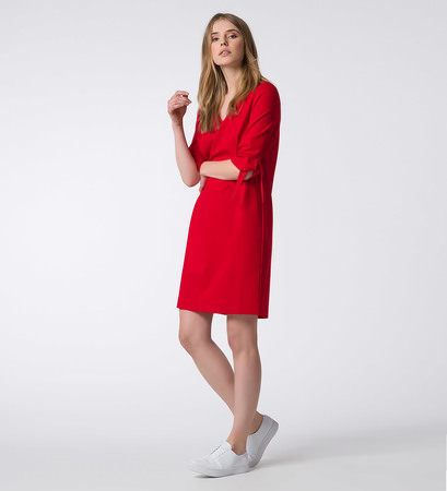 Kleid mit V-Ausschnitt in flame red