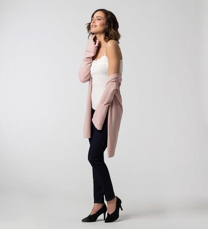 Strickjacke mit langen Volantärmeln in rose parfait