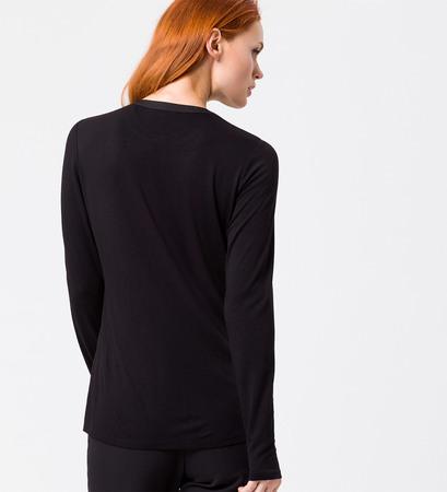 Blusenshirt mit Knopf am Ausschnitt in black