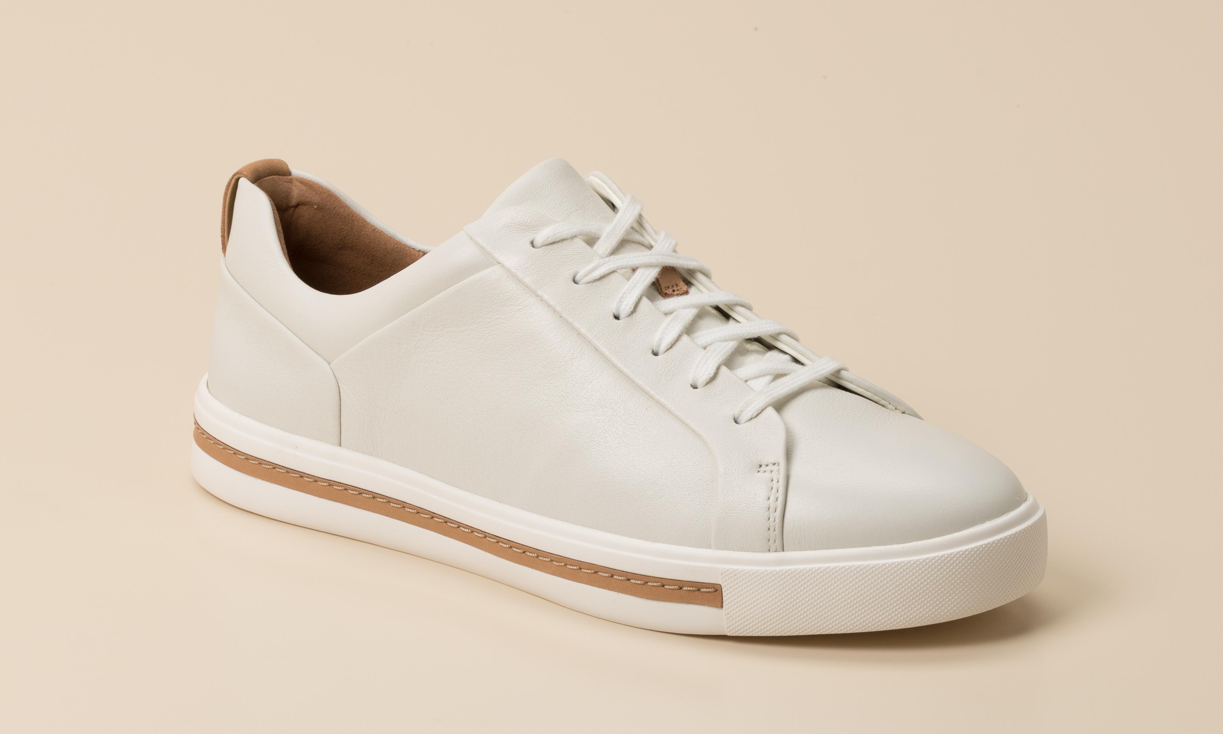 Weiße Clarks Sandalen online kaufen   Unverzichtbar für den