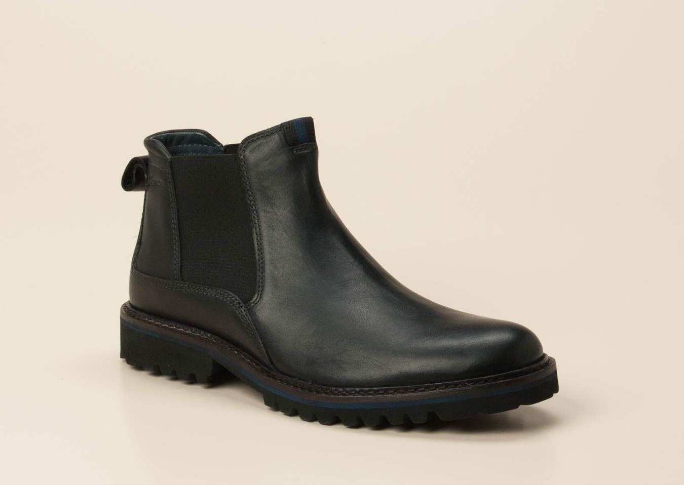 super popular c0565 0e35a Boots