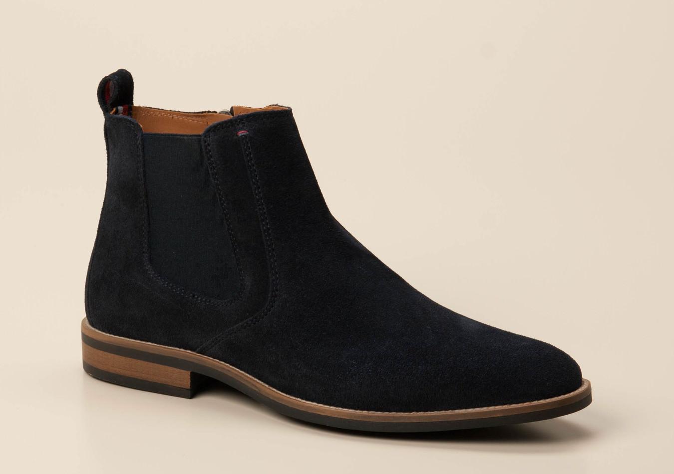 super popular 7d2ba f854d Boots