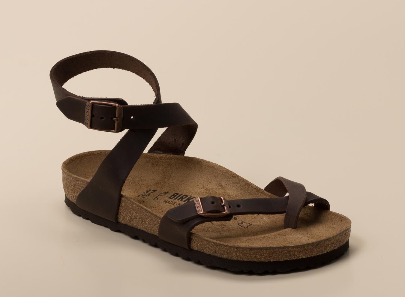 df0a6ac483c432 Birkenstock Damen Zehentrenner-Sandale Yara in dunkelbraun kaufen ...