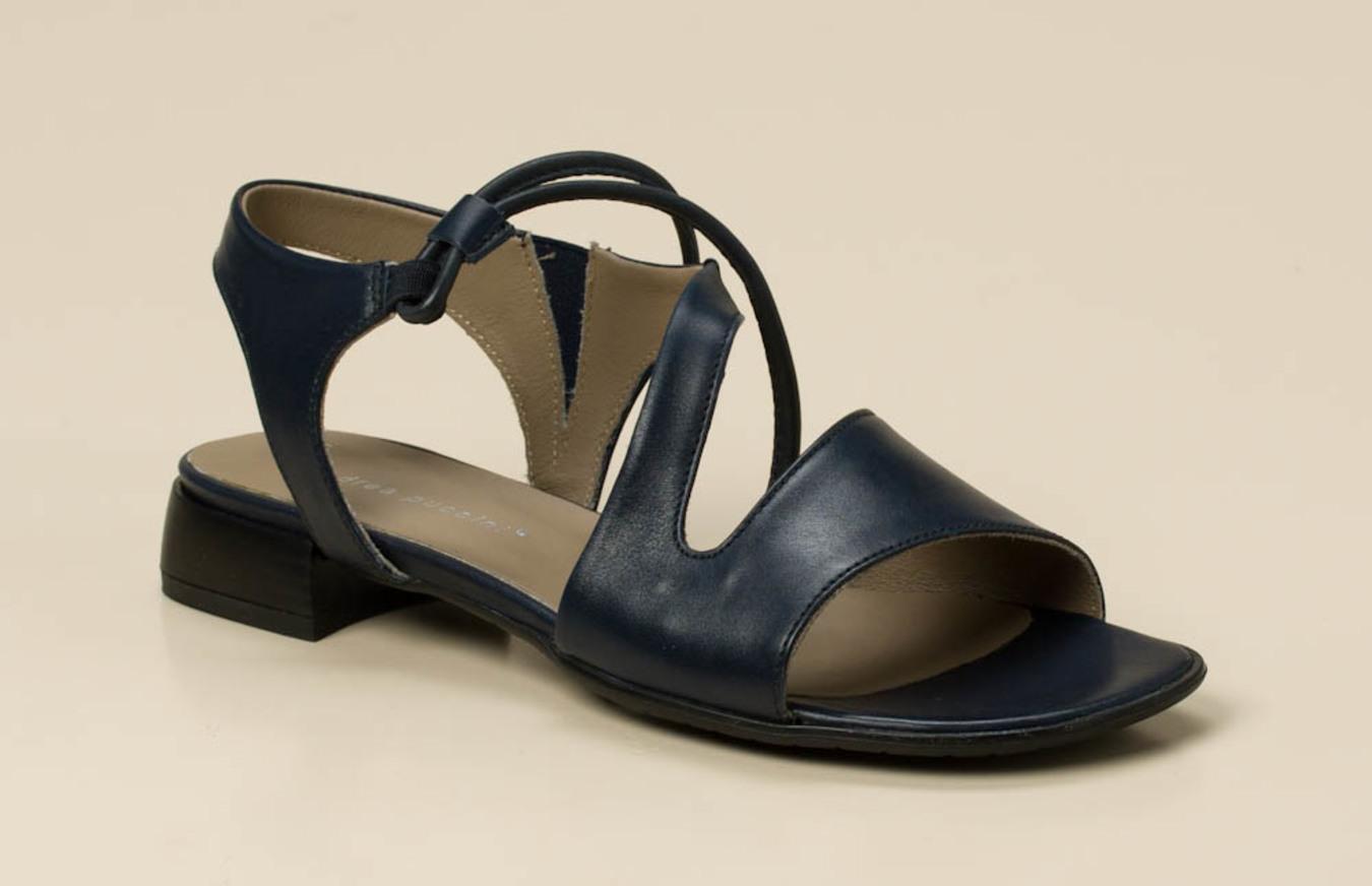 f0184273b3bd85 Andrea Puccini Damen Sandale in dunkelblau kaufen