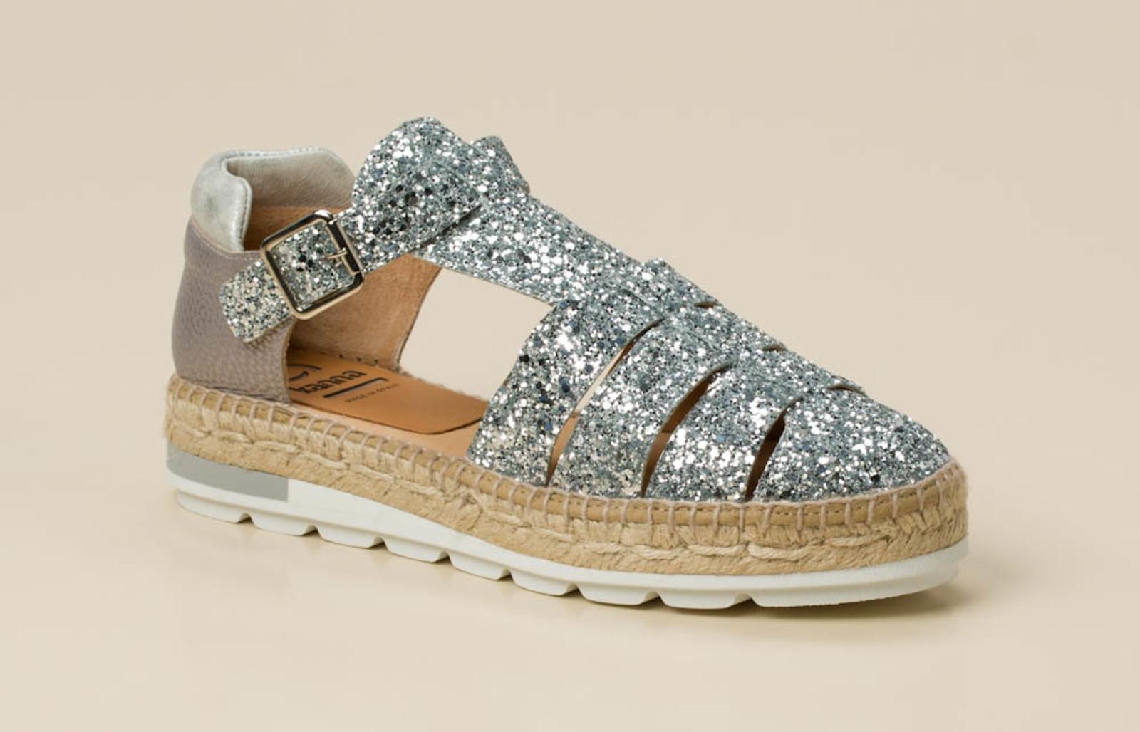 97fc245b5b19 Kanna Damen Sandale in silber kaufen   Zumnorde Online-Shop