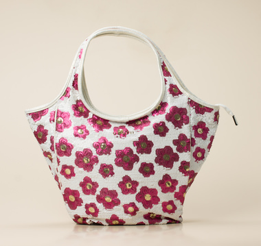 Uzurii Shopper