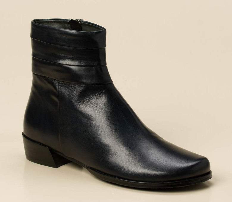 7ee8f391414e Everybody Damen Stiefelette in dunkelblau kaufen   Zumnorde Online-Shop