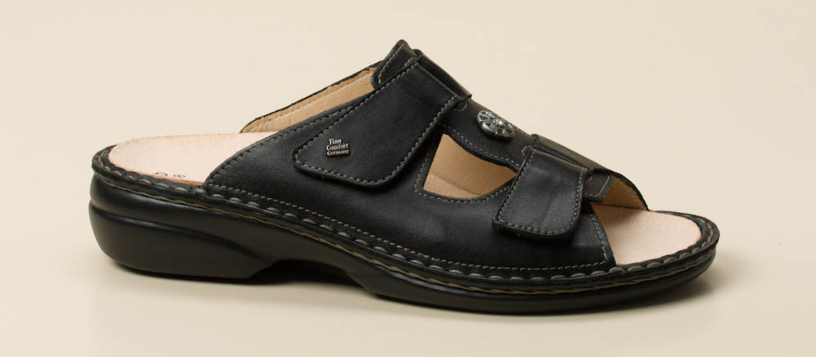 finn comfort damen pantolette in schwarz kaufen zumnorde online shop. Black Bedroom Furniture Sets. Home Design Ideas